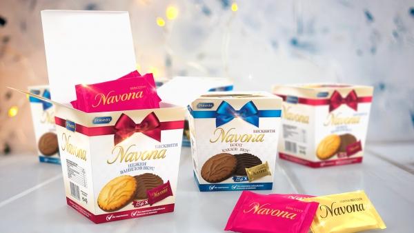 <span>Navona Box orange and peanuts</span><i>→</i>